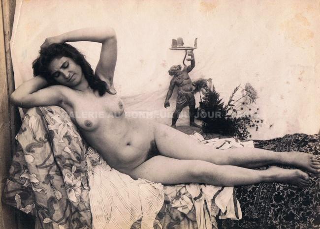 Femme nue, haltre, ethnique, african-american image